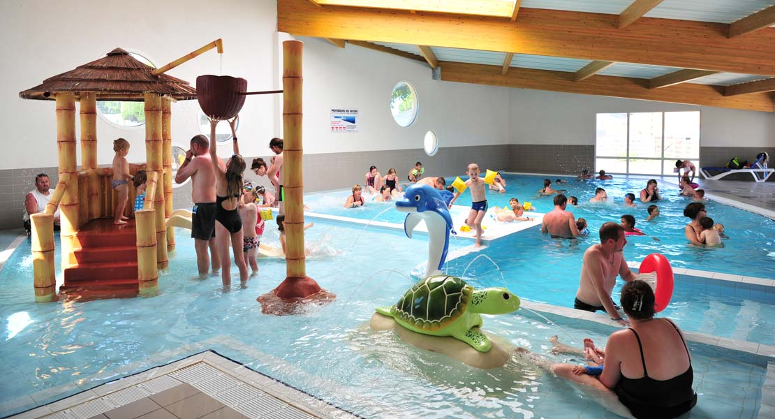 Heated swimming pool in the aquatic area of the La Plage campsite in Saint-Hilaire-de-Riez