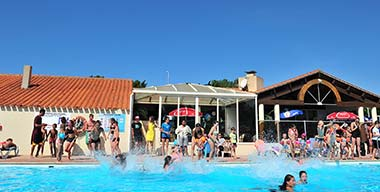 Aquatic activities in the swimming pool of the campsite near Saint-Jean-de-Monts