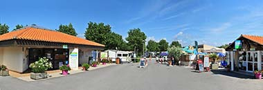 The entrance to the seaside campsite in Vendée La Prairie in Saint-Hilaire