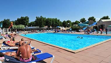 The swimming pool of the aquatic area of the campsite in Vendée