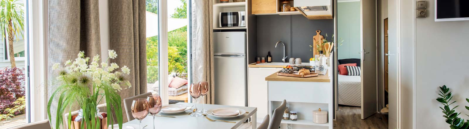 View of a fitted kitchen of a mobile home for Sale in Vendée